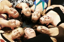 Women Networking pic