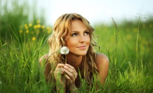 don't care people - Freedom-based-business-woman-in-field-with-dandelion-620x3753